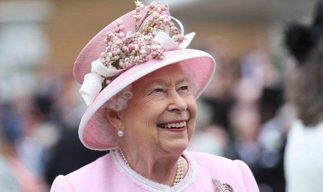 Regina Elisabetta, la sovrana sente la nostalgia dei nipotini