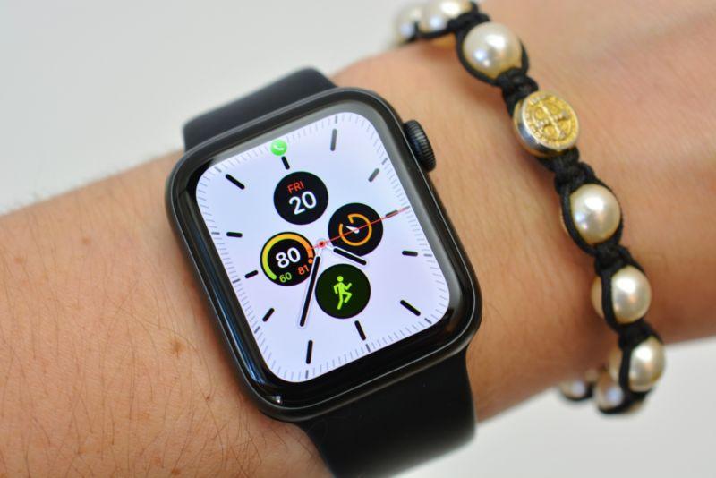Apple Watch Series 5, recensione caratteristiche tecniche e prezzo