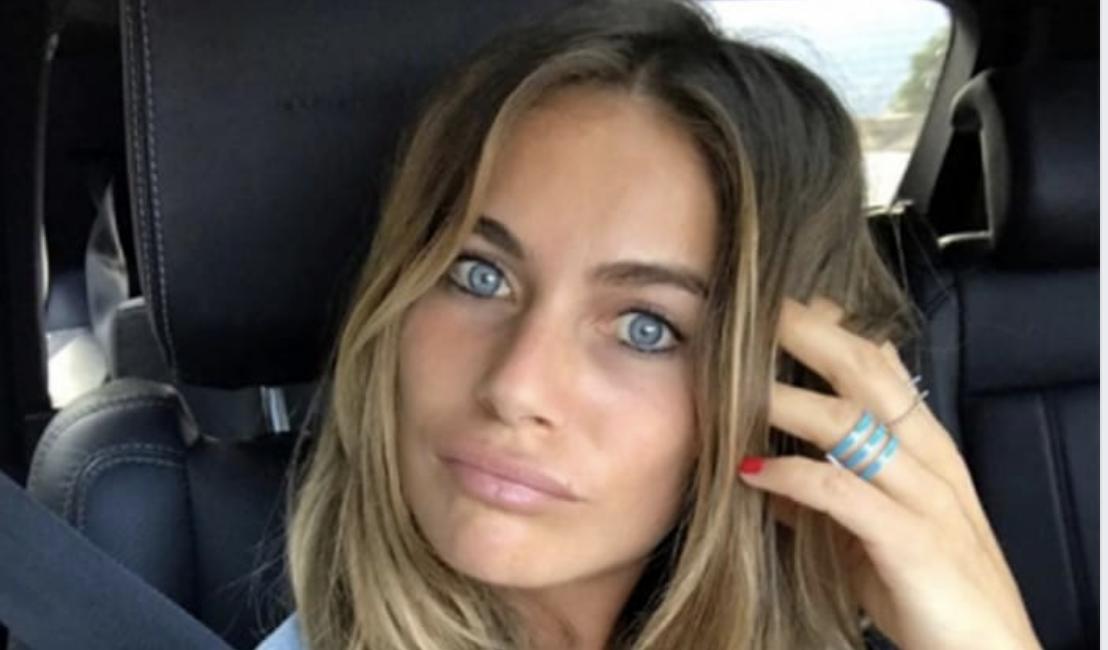 """""""Morbida e sexy"""". Eleonora Pedron, lo scatto tra le lenzuola è bollente"""