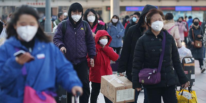 Coronavirus, si parla di un possibile rientro per i 70 italiani bloccati in Cina, ma l'Oms non raccomanda i rimpatri