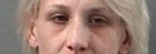 Mamma uccide il figlio di 5 anni, corpo in una fossa: «Aveva sporcato le mutadine»