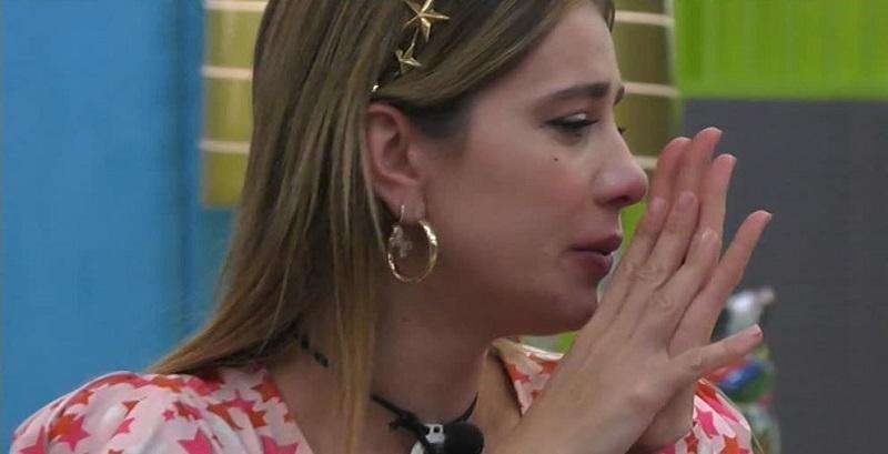 """GF Vip, Clizia in lacrime svela: """"Mi mandavano i caz**"""""""