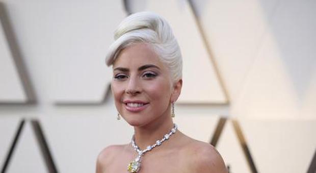 Coronavirus, Lady Gaga in auto-quarantena: «Ho parlato con Dio, ce la faremo»