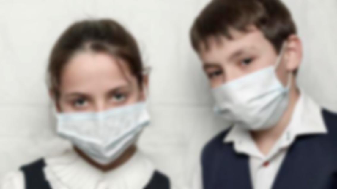 Coronavirus, fratellini in quarantena da soli. Nonna morta,