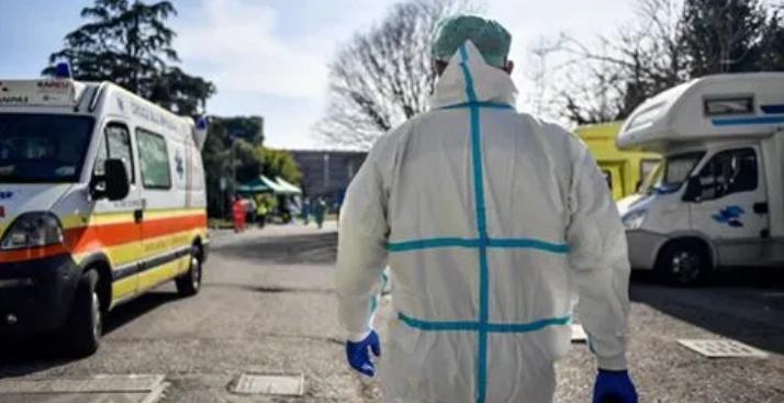 Coronavirus, donna in quarantena con marito morto in casa