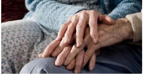 Vittime del Coronavirus: coppia muore insieme dopo il 50esimo anno di matrimonio. Alberto e Antonietta avevano 81 e 79 anni