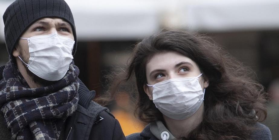 """Coronavirus, parla il medico che scoprì la Sars: """"Ecco quando finirà la pandemia"""""""