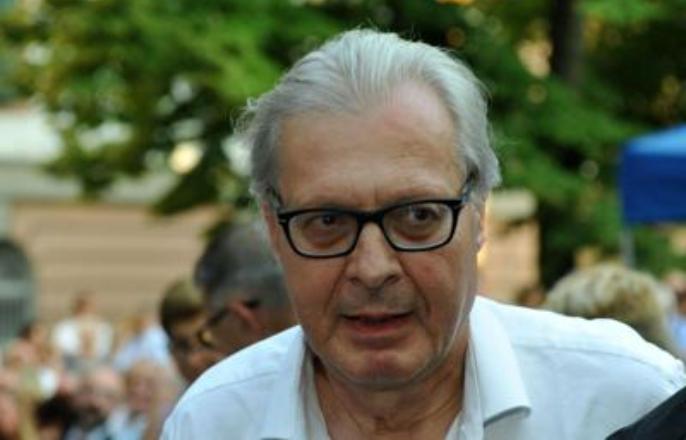 Vittorio Sgarbi denunciato dagli scienziati dopo affermazioni sul Coronavirus
