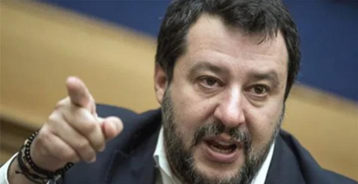 """L'appello di Salvini al presidente Mattarella: """"Ora chiudere tutto"""""""