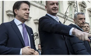 Rocco Casalino raccomandato a Grillo da Emilio Fede. Retroscena: tutto dopo quel no al Tg4