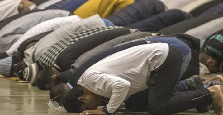 Orrore in tv, «Allah ci ha inviato un soldato»: e l'imam sfegatato ringrazia il virus per la pandemia