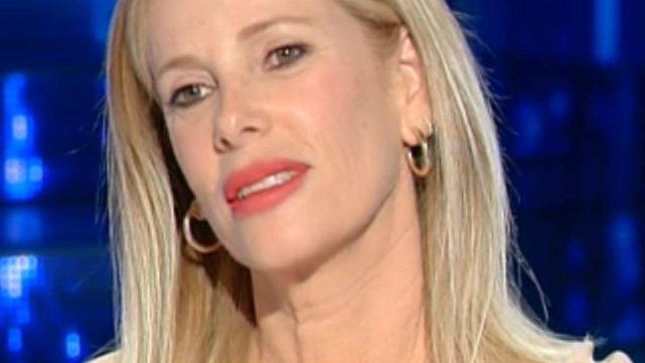 """Alessia Marcuzzi: """"mi sono commossa cantando dal balcone"""""""