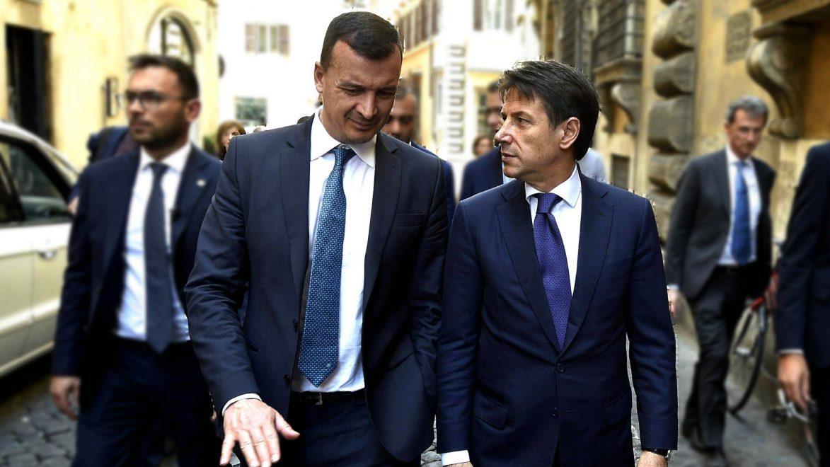 Sapete quanto guadagna Rocco Casalino come portavoce del premier Conte?