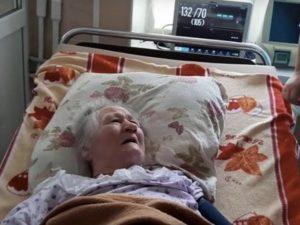 Dichiarata morta dai medici, si risveglia dieci ore dopo mentre preparano i suoi funerali