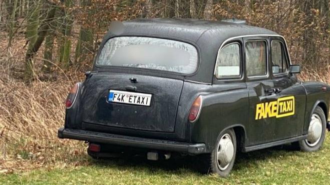 """L'originale auto di """"Fake Taxi"""" è attualmente in vendita"""