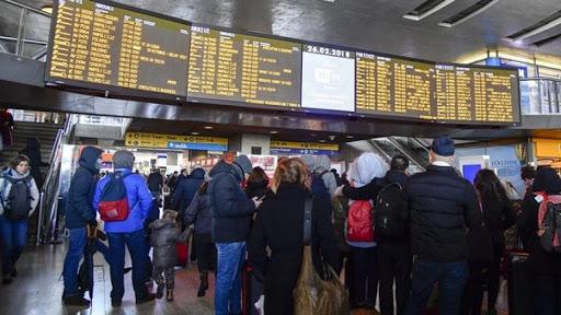 """Ultim'ora Coronavirus, nuova """"fuga"""" da Milano: assalto agli ultimi treni per il Sud"""