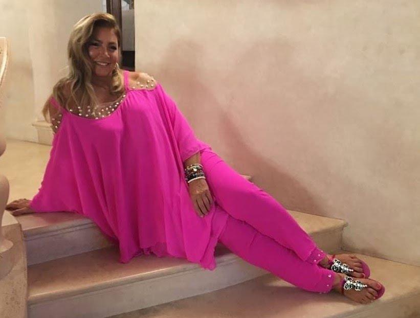 Perché Romina Power indossa sempre delle tuniche larghe e scarpe senza tacchi? La verità sul look