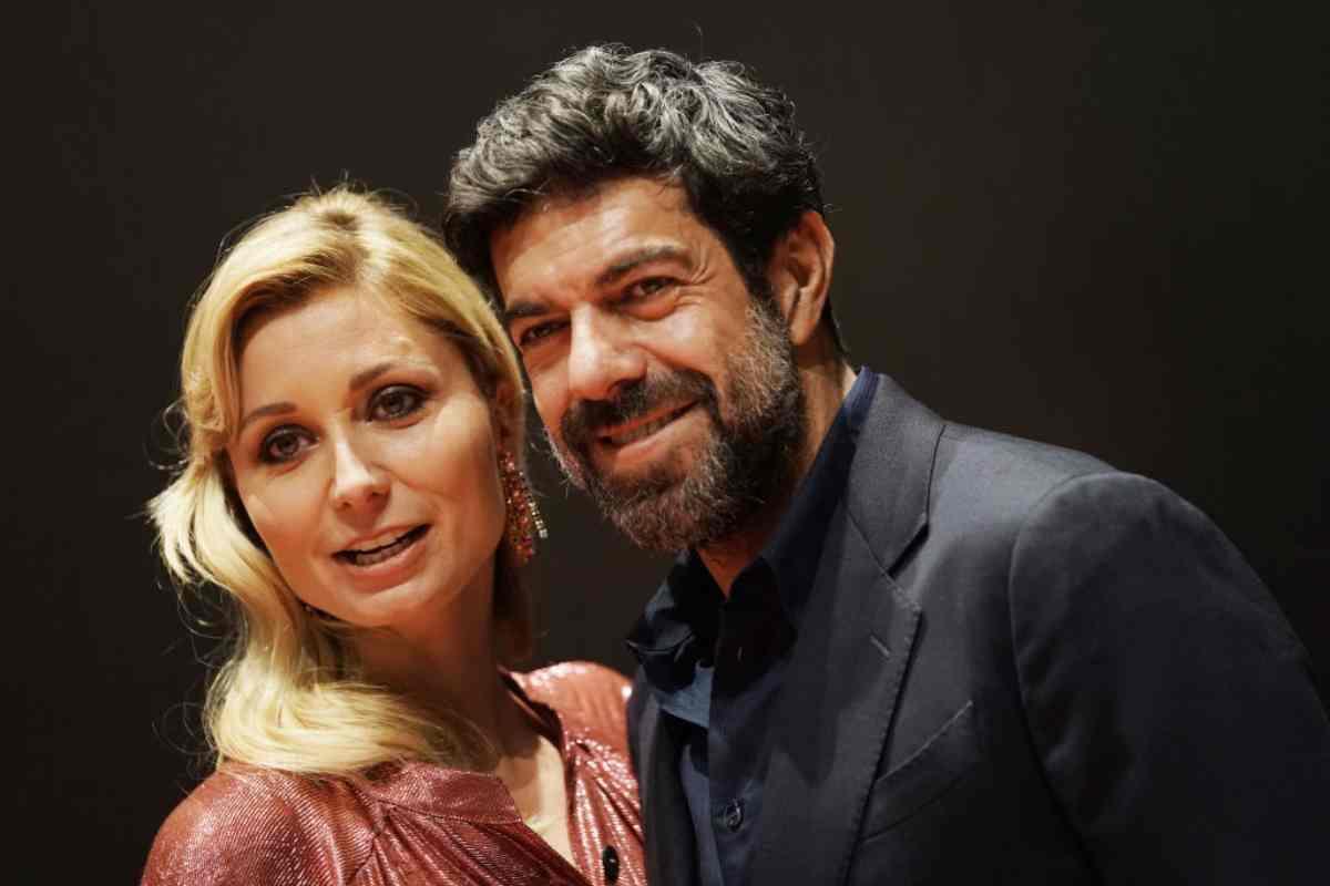 Pierfrancesco Favino, avete mai visto la moglie?