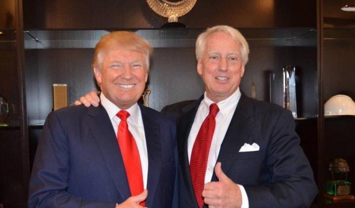 Donald Trump moccioso e bugiardo, lo dice il fratello