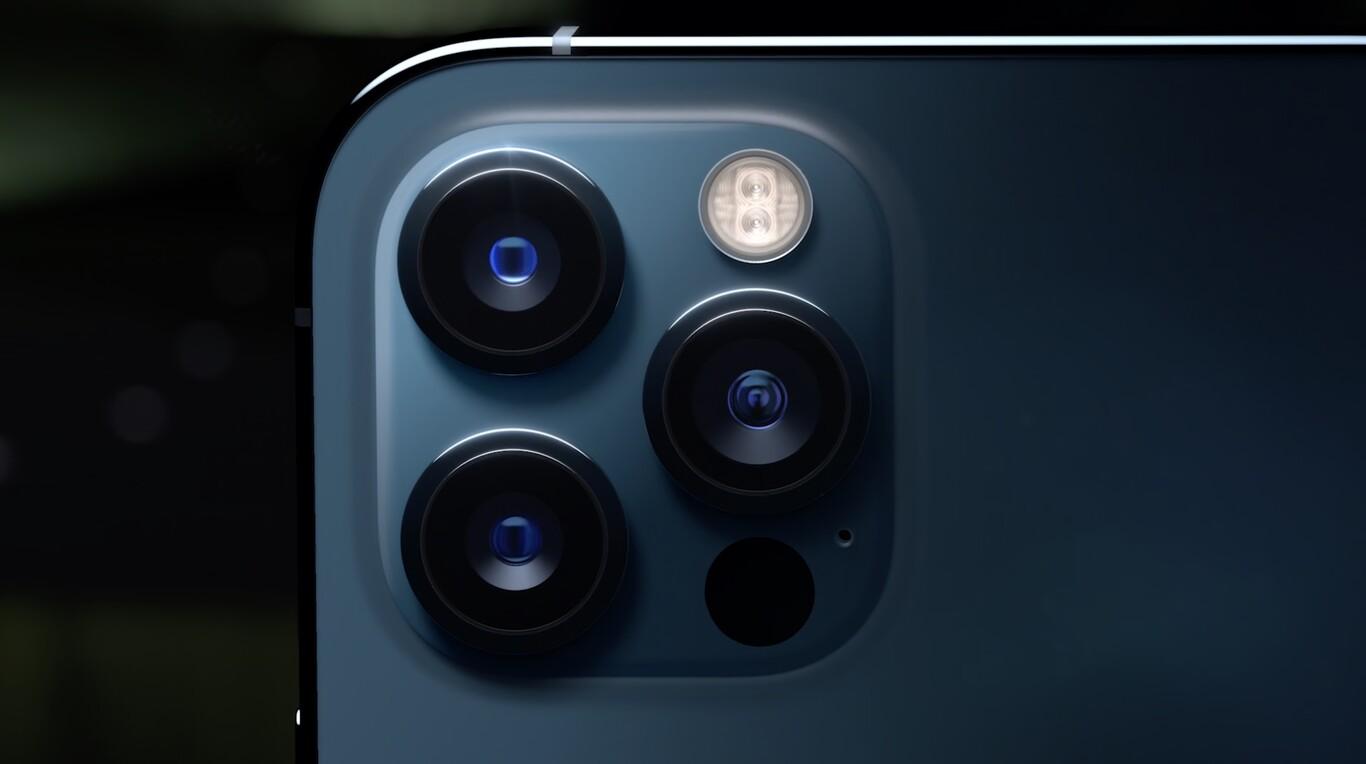 IPhone 12, iPhone 12 Pro e iPhone 12 Pro Max sono qui: connessione 5G, nuovo design e schermo Super Retina XDR